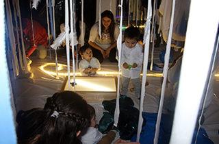 """Jardín Infantil """"Villa Los Ríos"""" celebra Semana de la Educación Artística con instalación sensorial para bebés"""