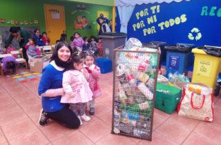 """Comunidad educativa del jardín infantil """"Carrusel"""" celebra """"Día Mundial del Reciclaje"""""""